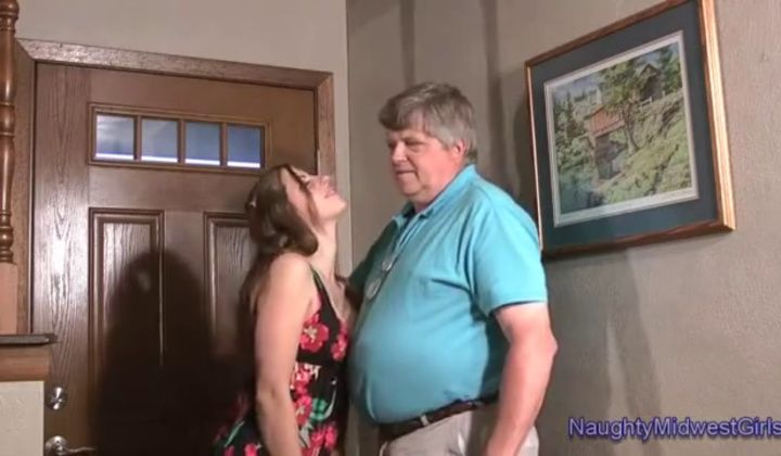Chelcee Clifton Fucked Creampie Old Fat Man 3